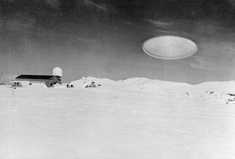 See 10 Mysterious 'UFO Sighting' Photos From History