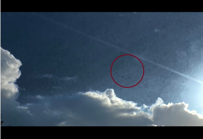 UK artist accidentally captures footage of 2 dark, static UFOs [VIDEO]