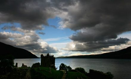 Archaeologists Discover A Very Special 4,000-Year-Old Bronze Age Tomb Near Loch Ness
