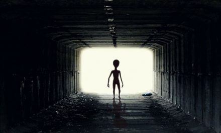 "Aliens spying on Humans? Radio astronomer says aliens will contact ""when we are ready"""