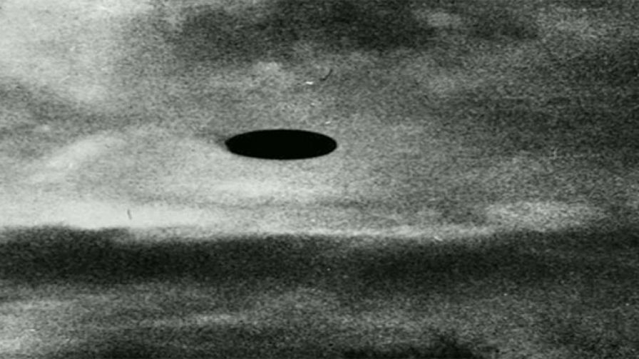 Fighter pilot chases UFO, urges world leaders to take the threat of aliens seriously
