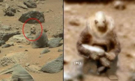 ALIEN SOLDIER SPOTTED STALKING CURIOSITY ROVER ON MARS