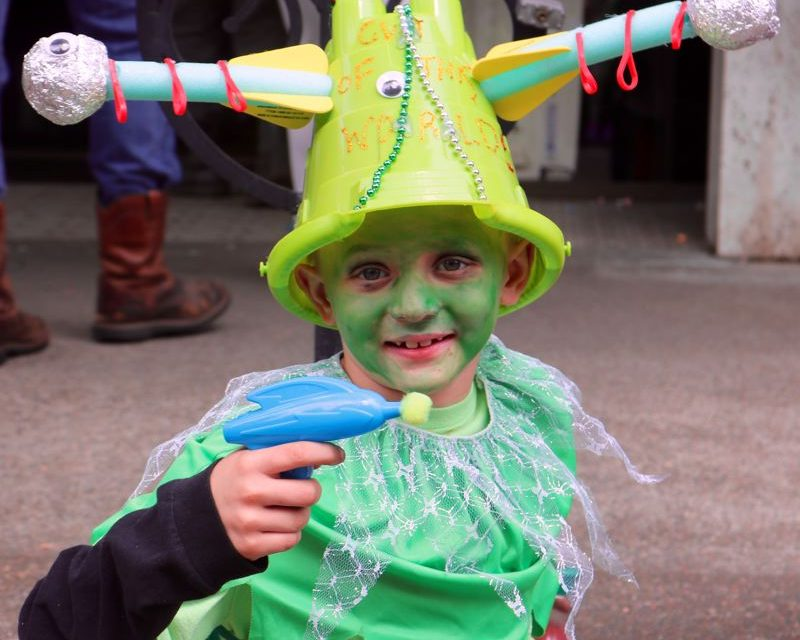 Aliens abduct McMinnville for UFO fest