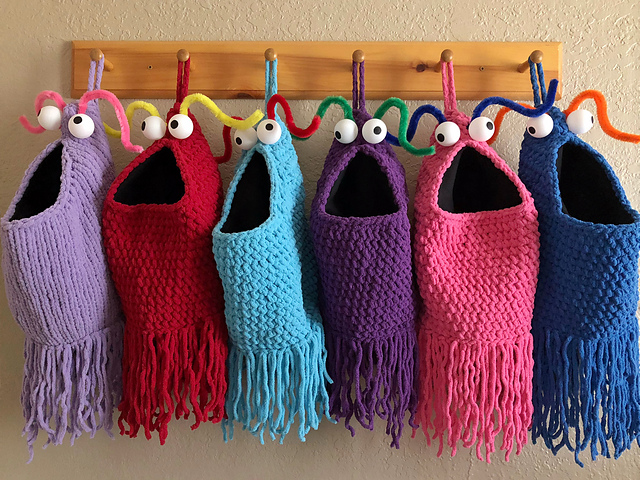 Brilliant Yip Yips Themed Christmas Stocking Pattern For Those Who Still Love The Fuzzy Aliens – Knit And Crochet Daily