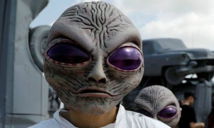 NASA Scientist Claims Aliens May Have Visited Earth, And We Are Just Too Dumb For Our Own Good – Indiatimes.com