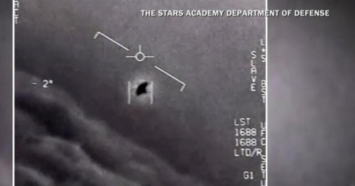UFOs reported by Navy pilots, who tell New York Times they spotted unidentified flying objects over East Coast in 2014 and 2015 – CBS News