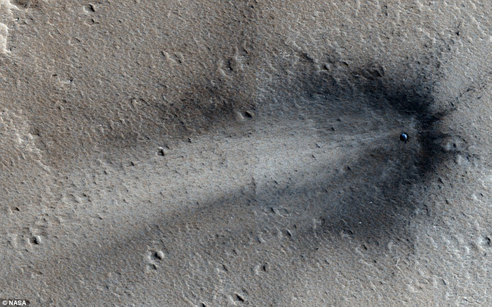 NASA's MRO photographs a crashed UFO on the surface of Mars; According to Ufologists