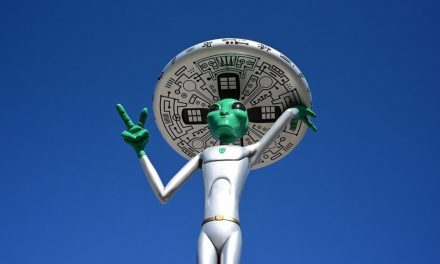 This tiny Kentucky town celebrates 1955 report of aliens with Little Green Men Festival