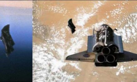 Columbia Shuttle meets the Black Knight Satellite. Awesome! (Video) – Alien UFO Sightings