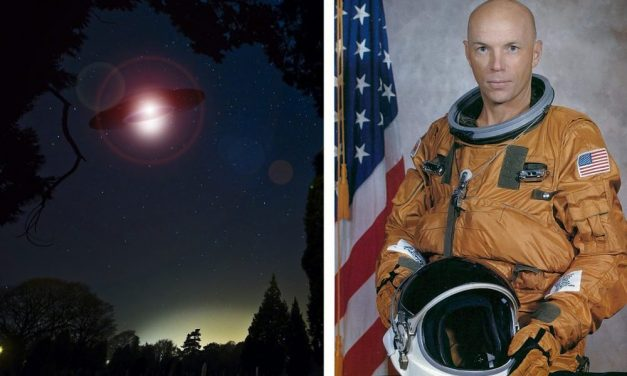 """The 'Most Educated' Astronaut Says Extraterrestrials """"Are Doing Star Travel"""" At A UFO Conference"""