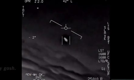 Navy Declassifies its Notorious 'UFO Sighting' Videos | Military.com