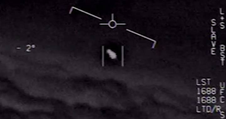 Pentagon officially releases three leaked 'UFO' videos – National | Globalnews.ca