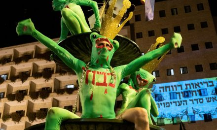 Opinion   Aliens Are Protesting in Israel. They Still Can't Beat Bibi. – The New York Times