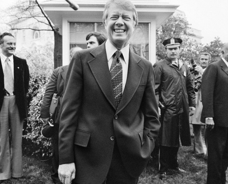 Jimmy Carter files report on UFO sighting – HISTORY