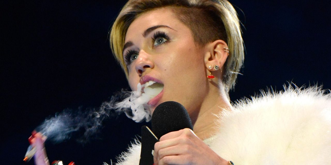 "Miley Cyrus: ""I Was Chased By UFO, Made Eye Contact With An Alien After Smoking Weed From A Guy In A Van"""