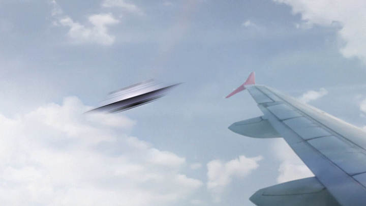 Several Pilots Report Seeing UFOs Flying at 2,500km per Hour Over Ireland — Curiosmos