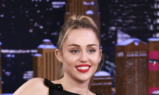 Miley Cyrus Talks About Alien Encounter and UFO Sighting