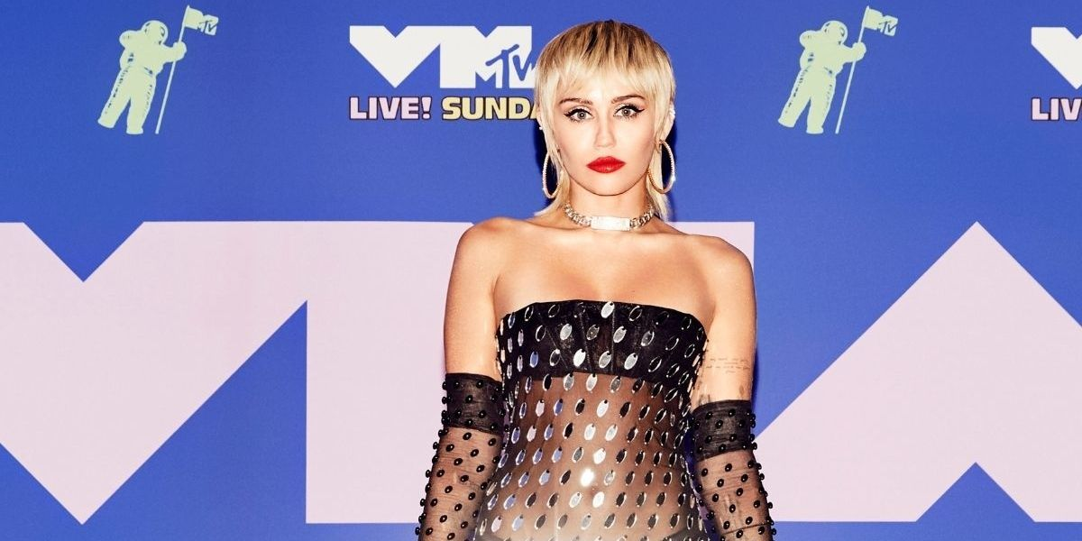 Miley Cyrus Claims She Was Once 'Chased Down By Some Sort Of UFO'—Or She Was Just Really High