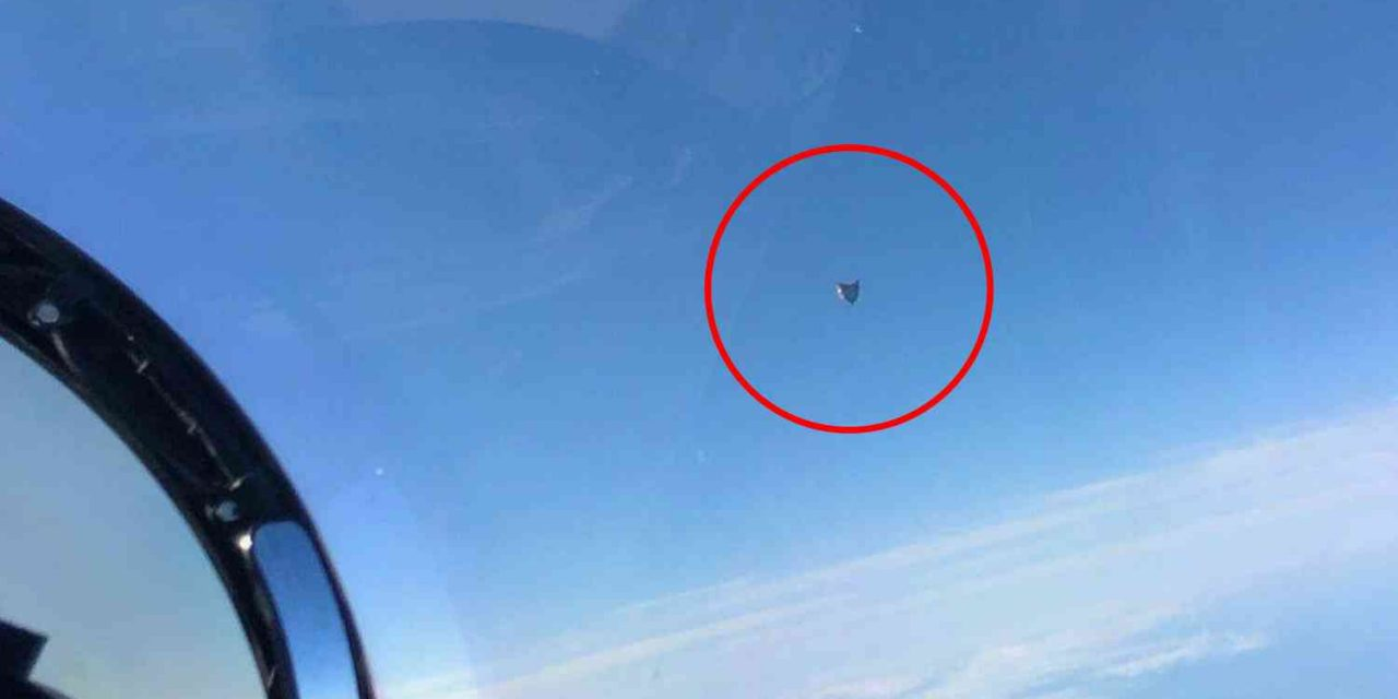"""What The Heck?? Newly Leaked Government Photo Taken By Fighter Jet Pilot Shows UFO Hovering """"Completely Motionlessly"""" Over The Ocean 