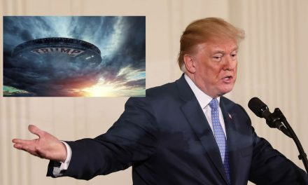 Trump Confirms Existence Of Aliens, Claims They Won't Reveal Themselves Until Humanity Has Re-elected Him