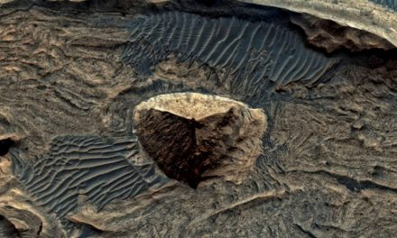 Have Aliens Built This 3-Sided Pyramid on Mars? Probably Not | Curiosmos