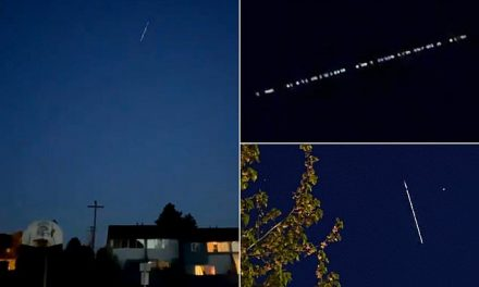 Strange string of lights seen over Seattle prompts UFO speculation | Daily Mail Online