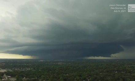 Cloud Over Des Moines Looks Like UFO Mothership – Videos from The Weather Channel | weather.com