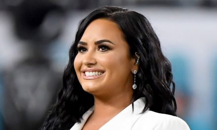 Demi Lovato Says She's Been Communicating With Aliens, Shares Proof
