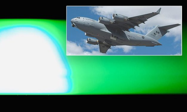 Two planes report 'bright green UFO' flying over Canadian air space | Daily Mail Online